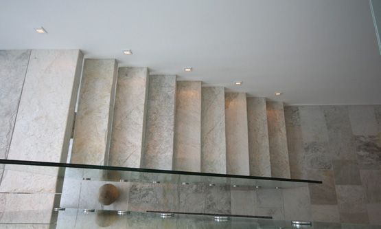 Treppe Material: Silberquarzit